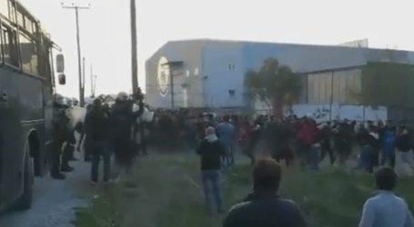 Νέα ένταση στα Διαβατά – Συγκρούσεις προσφύγων με την αστυνομία