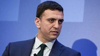 Ο Μητσοτάκης «οργώνει» την Ελλάδα, ο Τσίπρας κάνει ταξίδια εντυπώσεων στα Σκόπια