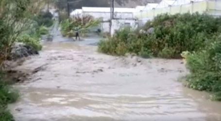 Κρήτη: Αυτοκίνητο παρασύρθηκε από τα νερά της βροχής