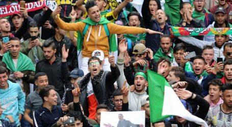 DW: Τέλος εποχής στην Αλγερία;