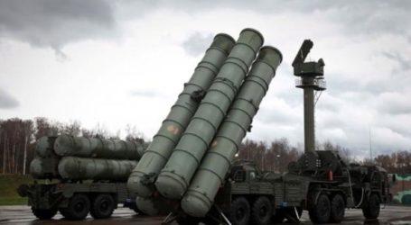 Ρώσοι και Τούρκοι δεν αποκλείουν την επιβολή κυρώσεων στην Τουρκία για τη αγορά των S-400