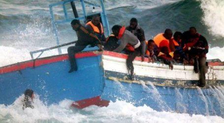 Πλοίο με δεκάδες μετανάστες παγιδευμένο ανάμεσα στην Μάλτα και την Ιταλία απευθύνει έκκληση για ασφαλές λιμάνι