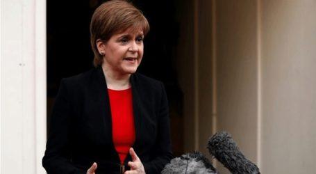 Η πρωθυπουργός της Σκωτίας ζητεί να μη σπαταληθεί άλλος χρόνος
