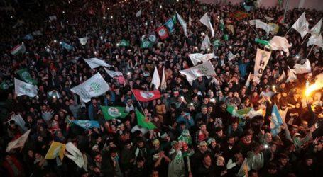 Διαδηλώσεις κατά της ακύρωσης εκλογής των φιλοκούρδων δημάρχων