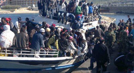 Επετεύχθη συμφωνία για την αποβίβαση των 62 εγκλωβισμένων μεταναστών στη Μάλτα