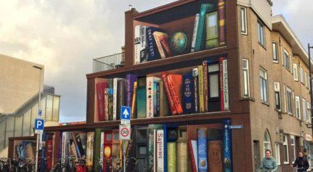Γκράφιτι μετατρέπει μουντά κτήρια σε… βιβλιοθήκες