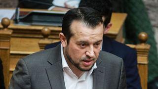Ο διωκόμενος για 2 τόνους ηρωίνης, Μαρινάκης, επιτίθεται στην κυβέρνηση για να βοηθήσει τον Μητσοτάκη