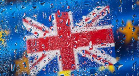 «Η πλειοψηφία των Βρετανών θέλει να παραμείνει στην ΕΕ»
