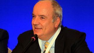 Οι ευκαιρίες πρέπει να είναι ίσες για έλληνες και ξένους επενδυτές