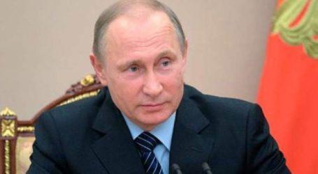 Η καταστροφή στη Notre Dame προκάλεσε «οδύνη στην καρδιά των Ρώσων»