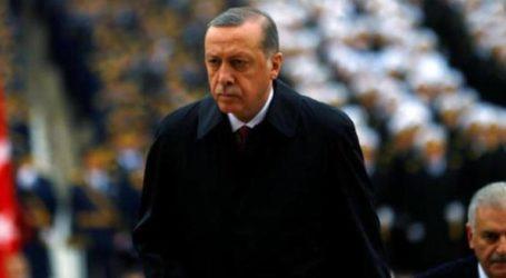 «Βαθιά ταραγμένος» από την καταστροφή της Νοτρ Νταμ δηλώνει ο Ερντογάν
