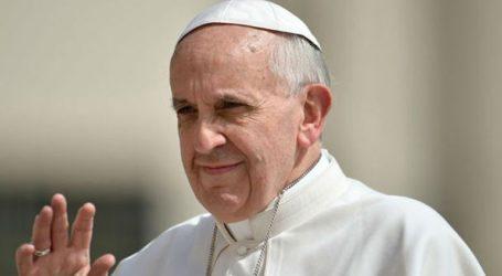Την ευγνωμοσύνη της Καθολικής Εκκλησίας εξέφρασε προς τους γάλλους πυροσβέστες ο πάπας