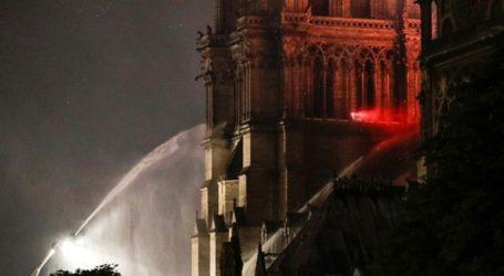 Οι πυροσβέστες κατάφεραν να εισέλθουν στη Νοτρ Νταμ σε λιγότερα από 10 λεπτά
