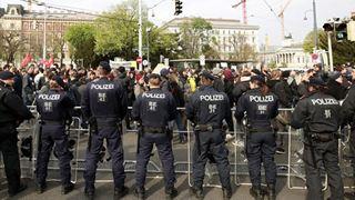 Διαδηλώσεις ενάντια στην κατάργηση της αργίας της Μ. Παρασκευής