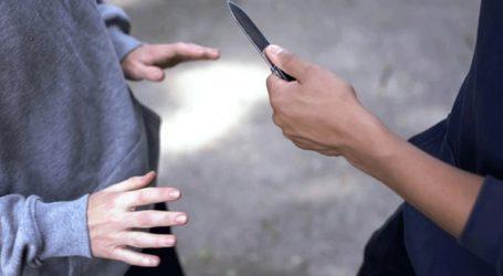 Πεντάχρονο αγοράκι μαχαίρωσε τον ξάδελφό του για… ένα σακουλάκι καραμέλες