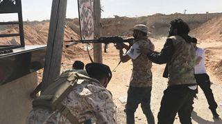 Κλιμακώνονται οι μάχες στα νότια προάστια της Τρίπολης