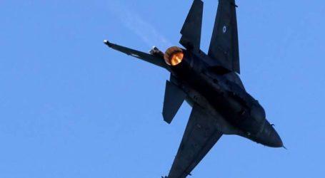 Εντυπωσιακή επίδειξη του F16 από την ομάδα ΖΕΥΣ στον ουρανό του Μεσολογγίου