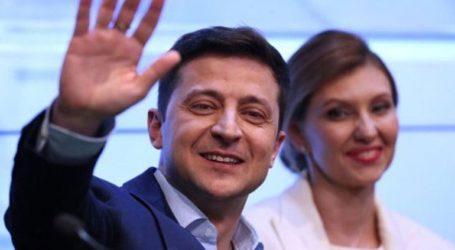 """«Η νίκη του Ζελένσκι δείχνει ότι οι Ουκρανοί θέλουν """"αλλαγή""""»"""