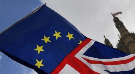 Βρετανία: Επαναλαμβάνονται με δυσκολίες οι συνομιλίες κυβέρνησης