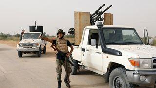 Συνεχίζονται οι μάχες στα νότια προάστια της Τρίπολης