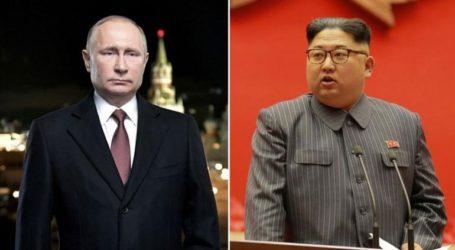 Στο Βλαδιβοστόκ ο Πούτιν για την πρώτη του συνάντηση κορυφής με τον Κιμ Γιονγκ Ουν