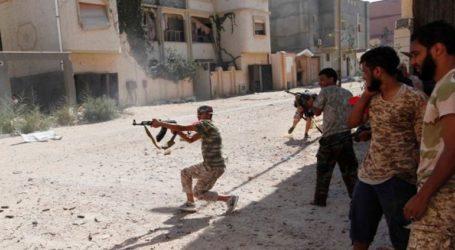 Γειτονιές της Τρίπολης μετατρέπονται σε πεδία μάχης σύμφωνα με τη ΔΕΕΣ