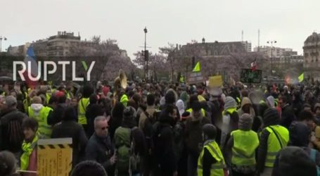 Τα Κίτρινα Γιλέκα ξανά στους δρόμους του Παρισίου