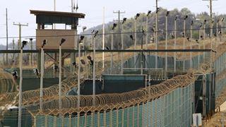 Καθαιρέθηκε ο διοικητής του κέντρου κράτησης στο Γκουαντάναμο