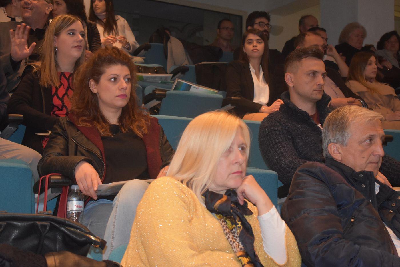 """Ενδιαφέρουσα εκδήλωση με θέμα """"Ο Φαρμακοποιός στην Υπηρεσία του Ασθενούς"""" πραγματοποιήθηκε στην Κεντρική Βιβλιοθήκη Λάρισας (φωτο)"""
