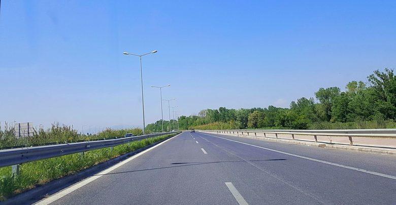 Τροχαίο έξω από την Λάρισα, στην ε.ο. προς Τρίκαλα: Έκλεισε ο δρόμος