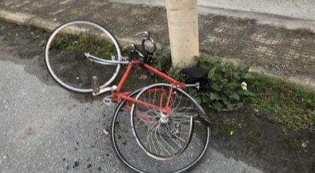 ΙΧ παρέσυρε ποδηλάτη και τον τραυμάτισε στον Βόλο