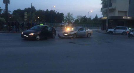 Τροχαίο με σύγκρουση αυτοκινήτων στη Λάρισα και έναν τραυματία (φωτο)