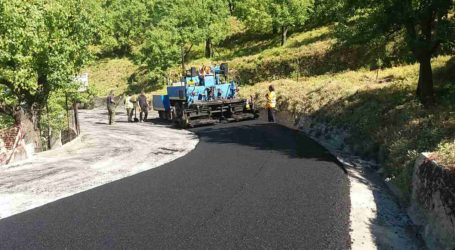 Εργασίες ασφαλτόστρωσης και συντήρησης του δρόμου Αγριά – Δράκεια – Χάνια [εικόνα]