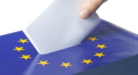 Ο παραιτηθείς αντικαγκελάριος Στράχε θα μπορούσε να διεκδικήσει έδρα ευρωβουλευτή