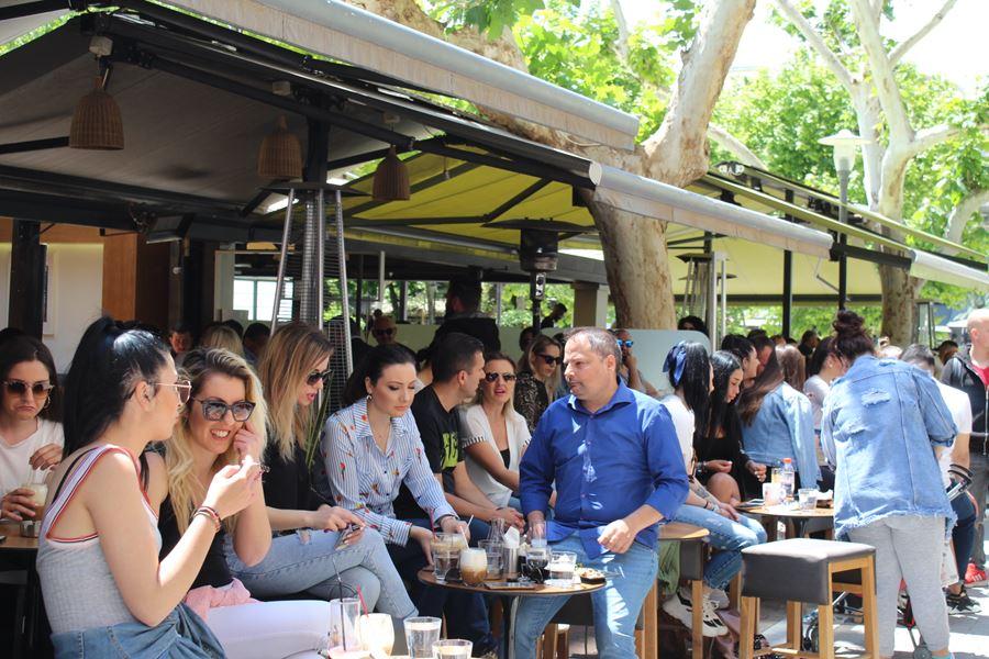 Σάββατο μεσημέρι στο κέντρο της Λάρισας με τον φακό του onlarissa.gr