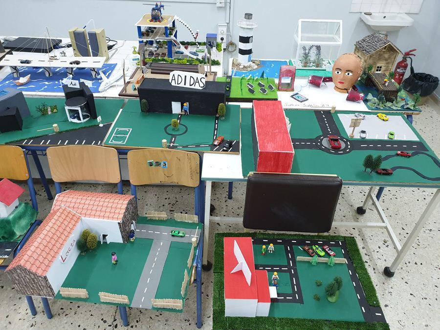 Έκθεση με έργα μαθητών στο 2ο Γυμνάσιο Λάρισας