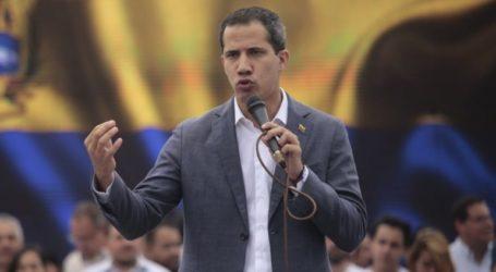 Ο Χουάν Γκουαϊδό ζητεί να συνεχιστούν και σήμερα οι διαδηλώσεις