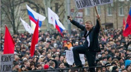 Η Ρωσία προσφέρει διαβατήρια στην ανατολική Ουκρανία
