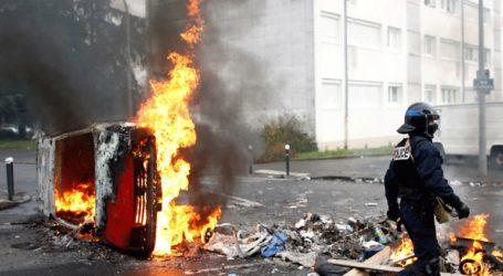 Συγκρούσεις στο Παρίσι μεταξύ των δυνάμεων ασφαλείας και των Black Blocs