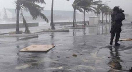 Οι αρχές θα απομακρύνουν 800.000 ανθρώπους από τις εστίες τους καθώς πλησιάζει ο κυκλώνας «Φάνι»