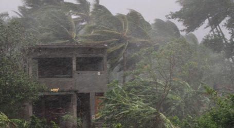 Ο ισχυρός κυκλώνας Φάνι έφτασε στο ανατολικό τμήμα της Ινδίας