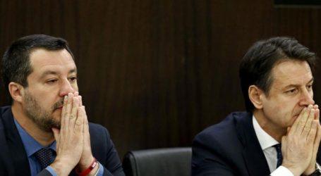 Κλυδωνισμοί στην κυβέρνηση πριν τις Ευρωεκλογές