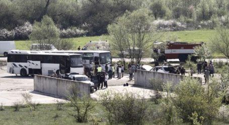 Λεωφορείο που μετέφερε παιδιά τυλίχθηκε στις φλόγες