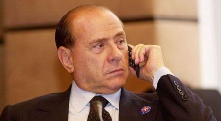 Ο Σίλβιο Μπερλουσκόνι βγήκε από το νοσοκομείο και δηλώνει έτοιμος για τις ευρωεκλογές