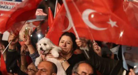 Διαμαρτυρίες με κατσαρόλες στην Κωνσταντινούπολη