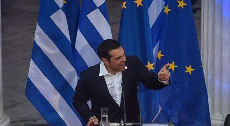 Ο Πρωθυπουργός εξαγγέλλει οικονομικές ελαφρύνσεις