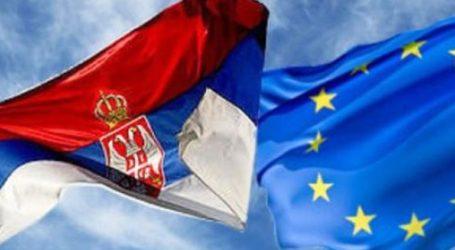 Το 53% των Σέρβων υποστηρίζει την ένταξη στην Ε.Ε. αλλά μόνο το 48% θα ψήφιζε υπέρ σε δημοψήφισμα