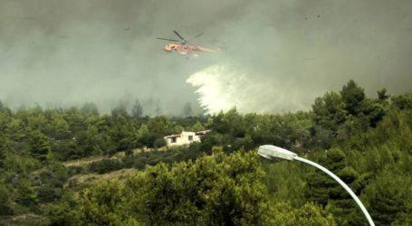 Σε εξέλιξη μεγάλη άσκηση της Πυροσβεστικής στην Πάρνηθα