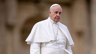 Ο Πάπας καταδικάζει τις απειλές εναντίον μιας οικογένειας Ρομά