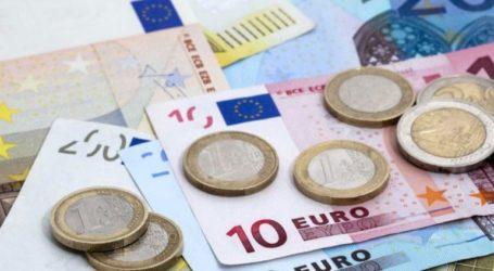 Ενισχύεται το ευρώ